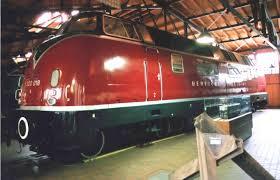 Lokomotif Kereta Diesel Elektrik