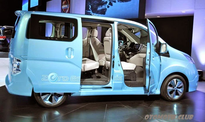 Nissan e-NV200 side doors