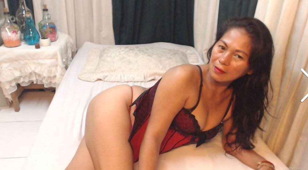 https://www.glamourcams.live/chat/innocentSHYLLE