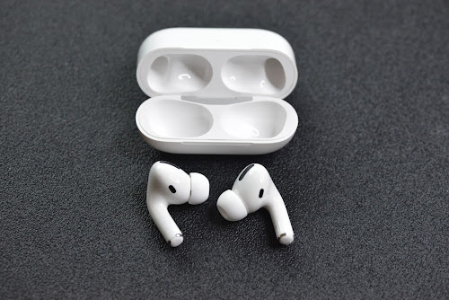 AirPods 2 vs AirPods: What's the Difference