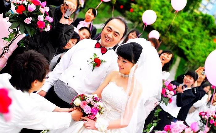 चीन में अजीब दावे बढ़ रहे हैं।चीनी महिलाओं ने एक महिला को एक से अधिक पति रखने का आह्वान किया है।