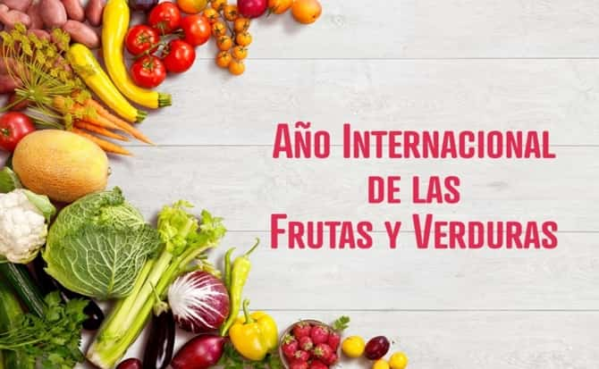 melón, sandía, manzana, plátano, naranja, lechuga, tomate, zanahoria,