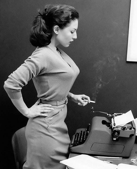 La moda del sujetador Bullet Bra en los años 50