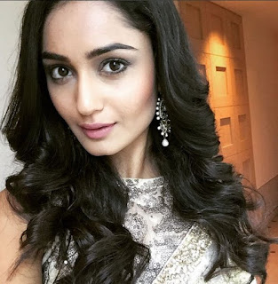 Shanaya Kapoor Biography Age Height, Profile, Family, Husband, Son, Daughter, Father, Mother, Children, Biodata, Marriage Photos.