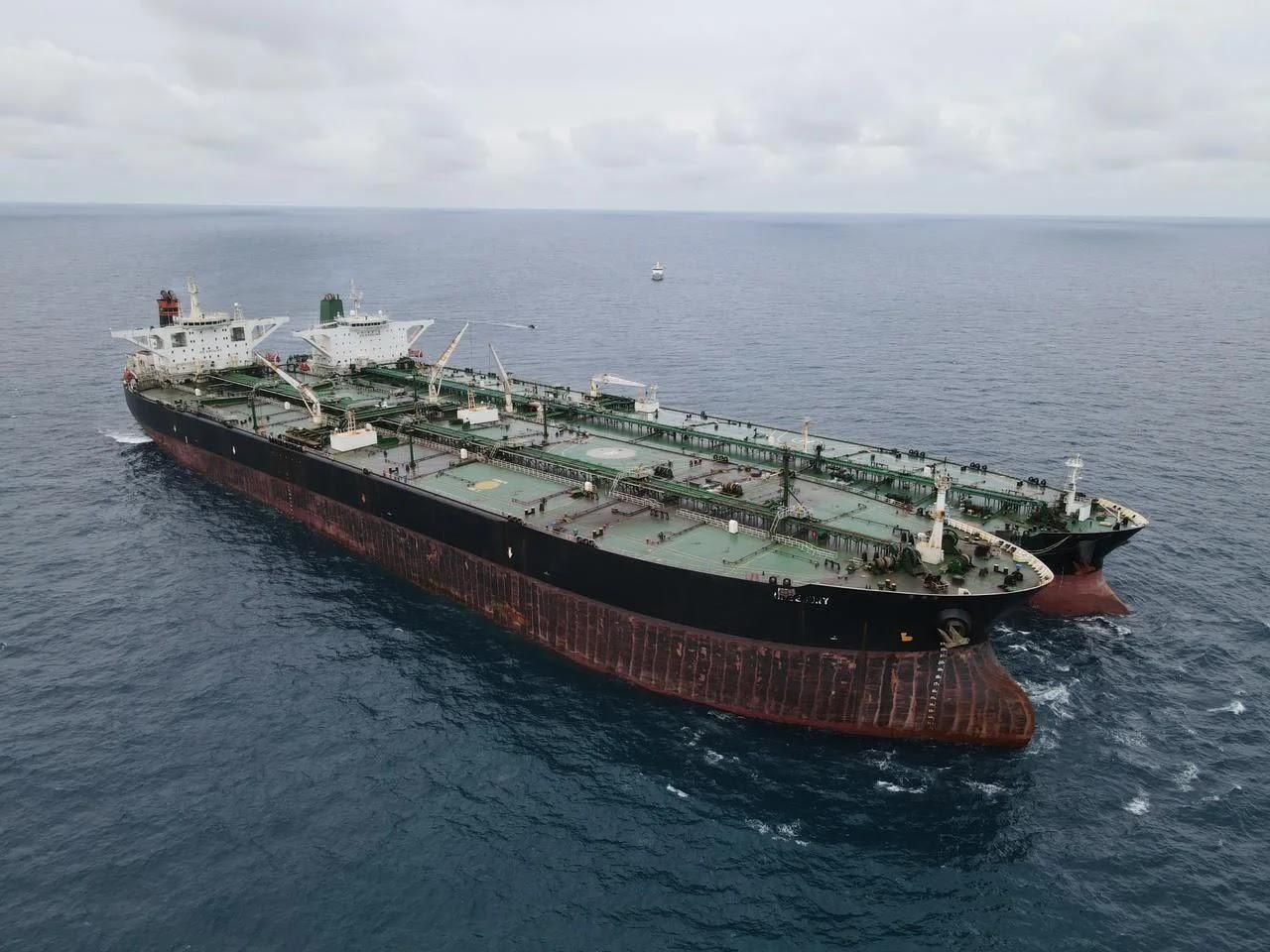 Indonesia incauta dos petroleros que realizaban transferencias ilegales de petróleo