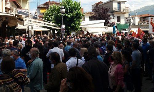 Επεισόδια και συμπλοκές μεταξύ μελών του ΣΥΡΙΖΑ και ομάδας αντιεξουσιαστών σημειώθηκαν κατά την συγκέντρωση εργαζομένων που έγινε στα Γιάννινα.