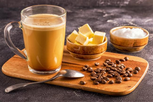 Café a prova de balas também conhecido como Bulletproof Coffee
