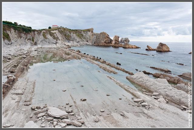 Costa Quebrada: Playa de la Arnía (Cantabria)