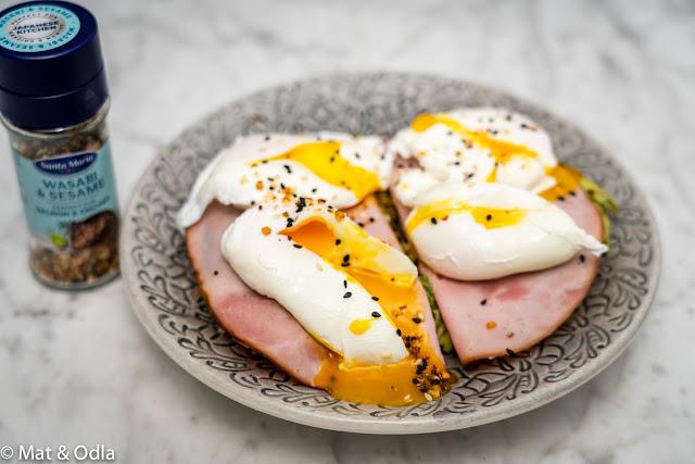 avocadotoast med pocherat ägg