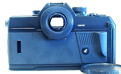 Contax 167 MT, Back