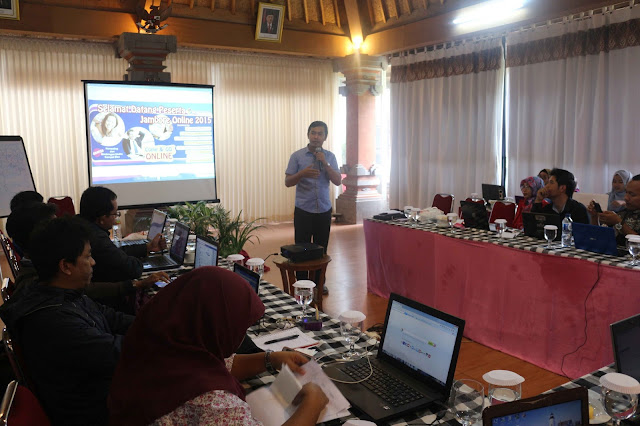Pembicara Bisnis Online, Pembicara Youtube Marketing, Pembicara Internet Marketing Facebook, Pembicara SEO, Sosial Media Marketing