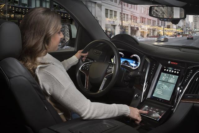 Nova dimensão: Bosch abre caminho para a instalação de ecrãs 3D em veículos