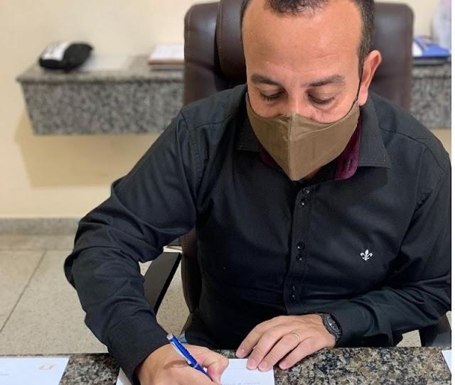Contas pessoais do prefeito de Cajati na internet, sofrem ataque de crackers