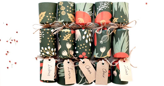 How to: Do It Yourself Christmas beauty crackers