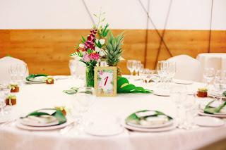 оформление столов гостей