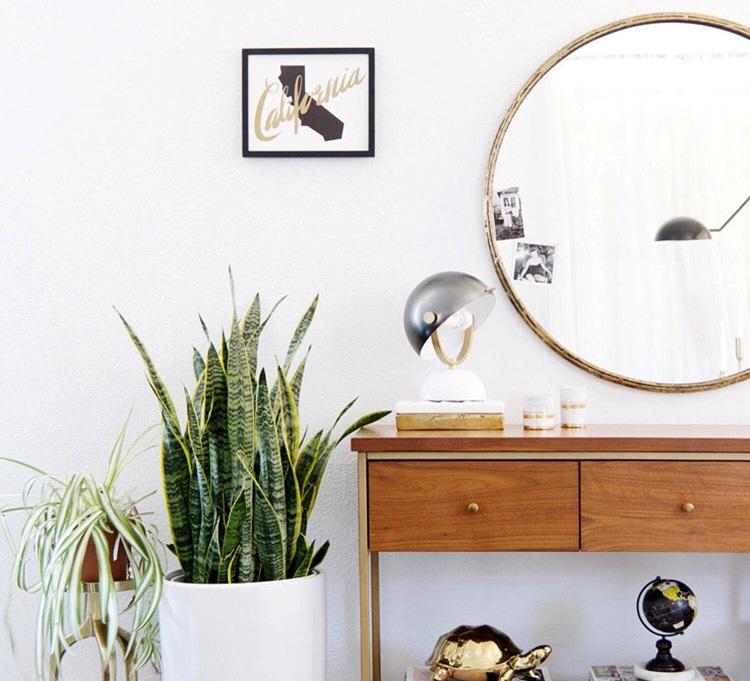 Ossessione casa lo specchio tondo vita su marte - Specchio tondo ikea ...