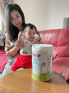 對寶寶的呵護關懷。.* 喜寶的優質營養。HiPP我家寶寶的成長奶粉