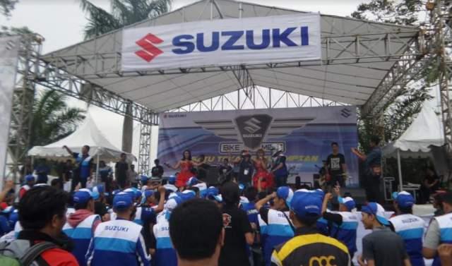 Suzuki_bike_meet_2017