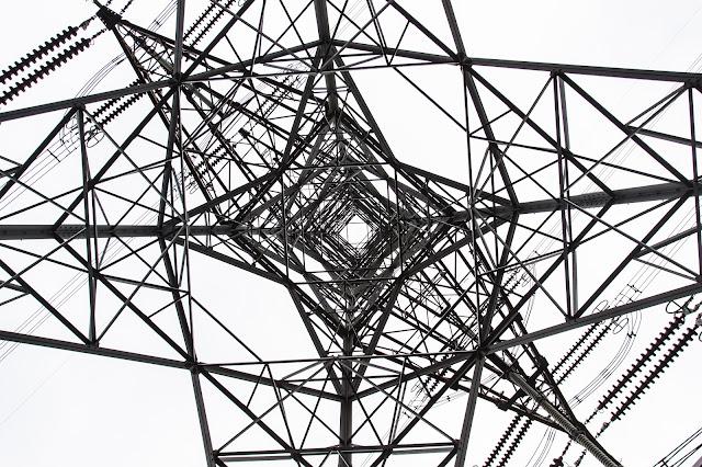 從大陸輸入香港的電力,最先會先經過這一座電塔