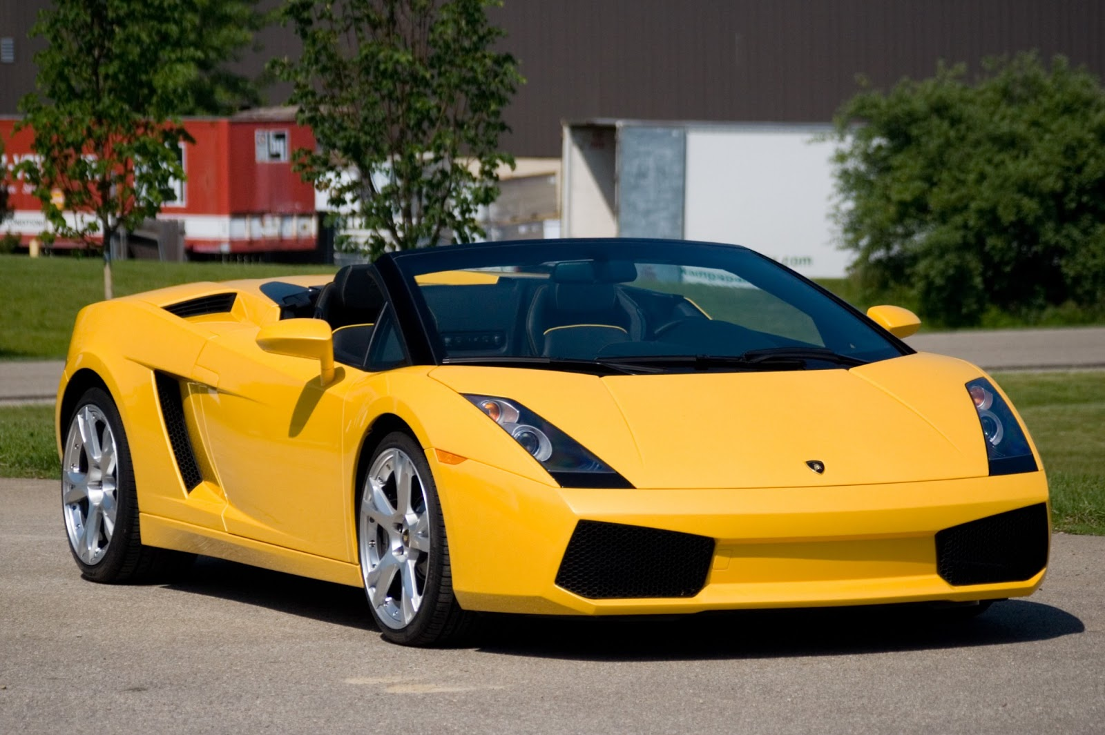 Luxury Lamborghini Cars: Lamborghini Gallardo Spyder