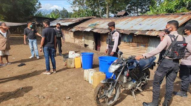 Polisi Sita Puluhan Liters Miras Jenis Ballo di wamena