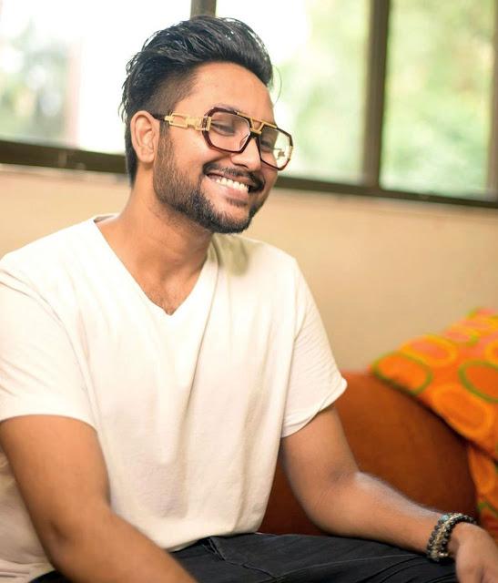 मंगलवार के Episode में, Jaan Kumar Sanu ने मराठी में निक्की तम्बोली को बोलने से परहेज करने के लिए कहा। उसने उसे यह भी बताया कि वह भाषा सुनने से चिढ़ जाता है।