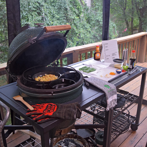 The Big Green Egg modular nest is durable and gives plenty of room