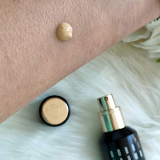 Intensive Skin Serum Foundation de Bobby Brown 10