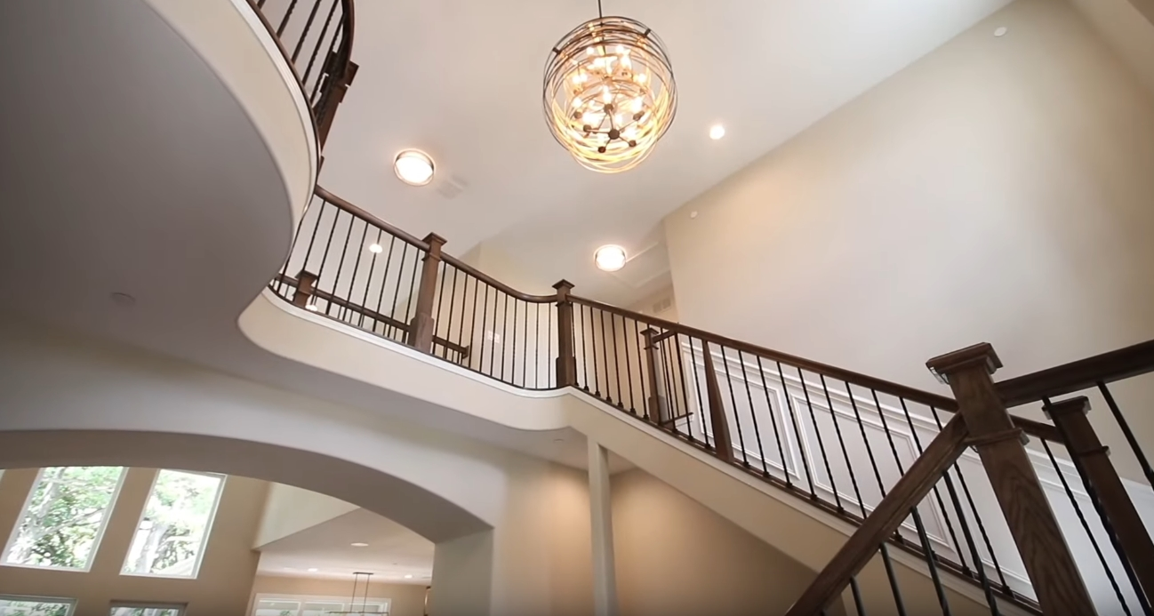 33 Interior Design Photos vs. Custom Home By KLM Builders Tour
