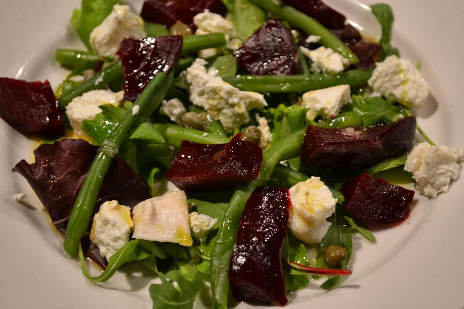 New Eet lekker: Salade van rode biet, geitenkaas en boontjes #WF18
