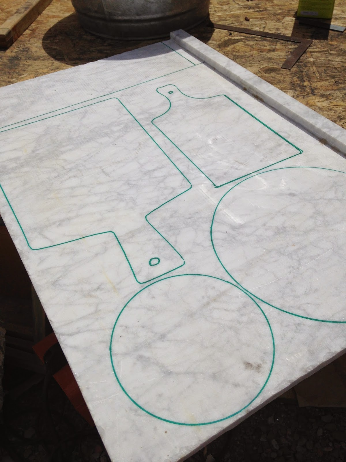 I Traced A Few Patterns On The Marble Using Diffe Sized Bowls And Cutting Boards That Already Had