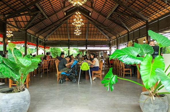 Budaya Indonesia Resto, Wisata Kuliner Berbintang Di Sumatera Utara