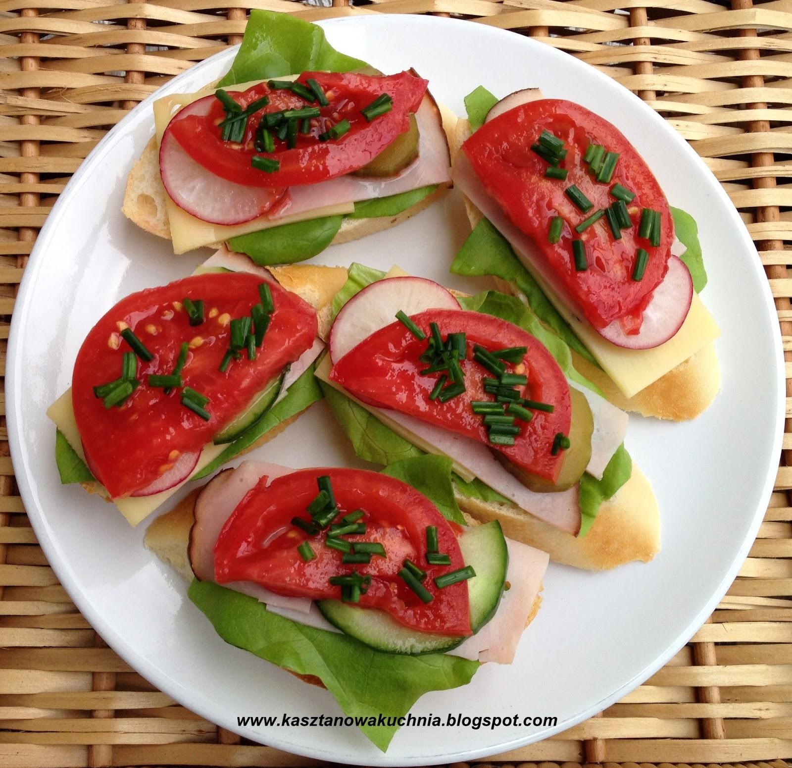 Znalezione obrazy dla zapytania kanapki z sałatą i pomidorem