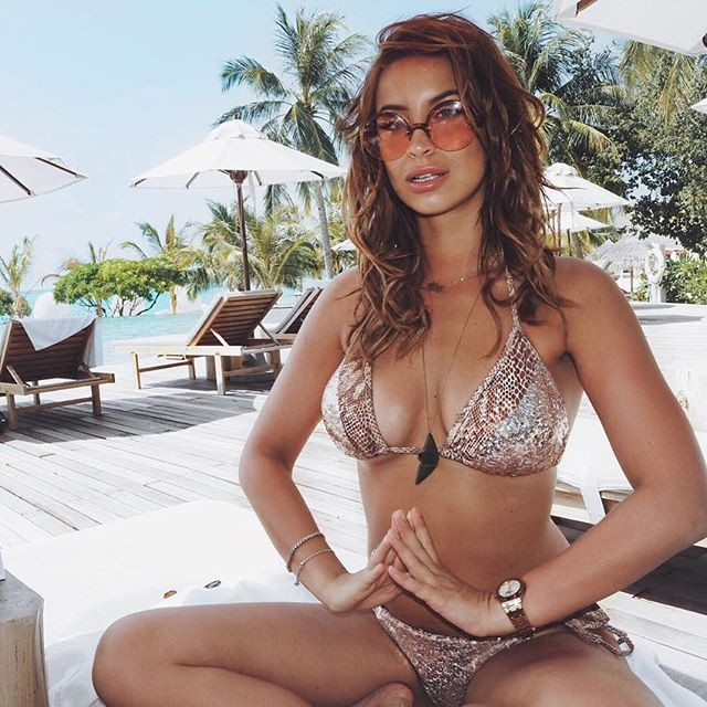 Ferne McCann shows off her incredibly fit figure