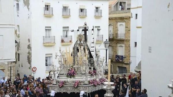Así es la Exposición de la cofradía del Santo Entierro de Cádiz