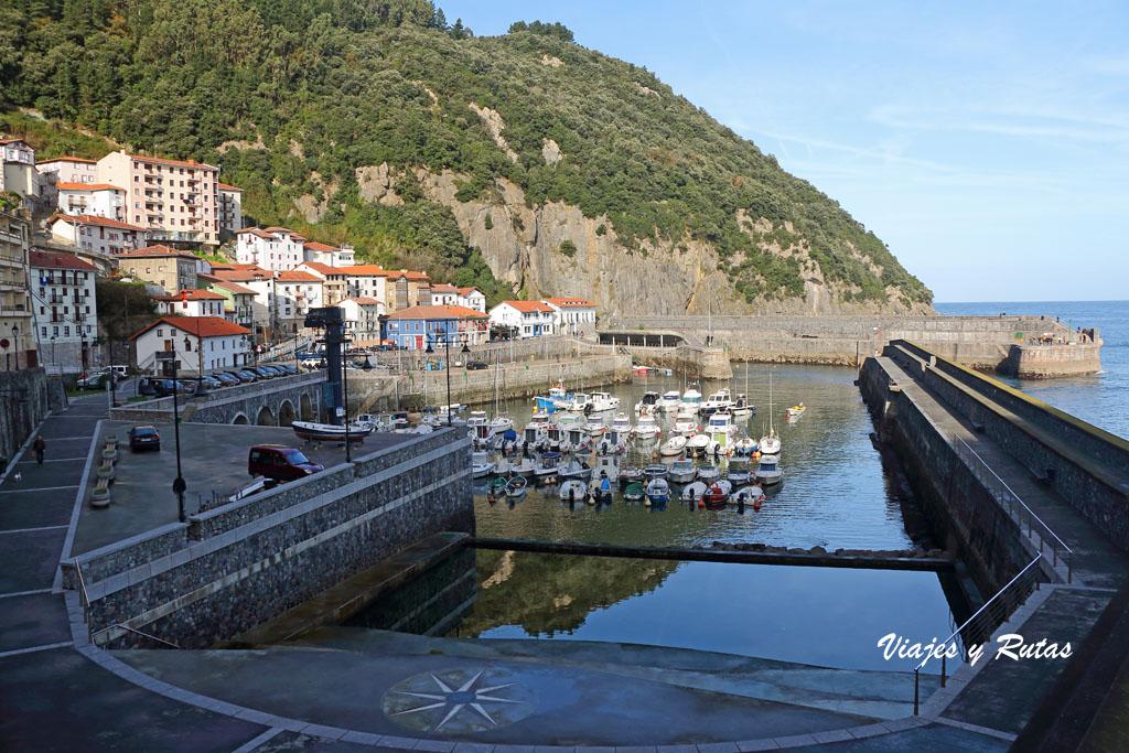 Piscina artificial  del puerto de Elantxobe