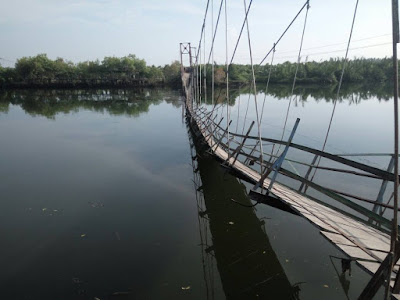 Pasca Robohnya Jembatan Dogang :  Akses Lima Desa Masih Terputus, Korban Jatuh Masih Terbaring