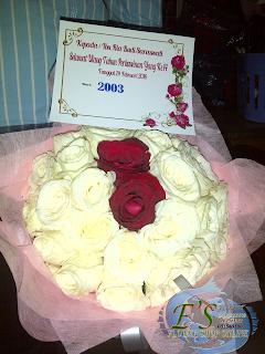 bunga tangan mawar putih
