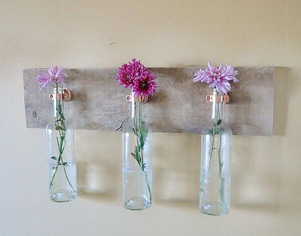 Membuat Vas Bunga Sederhana dari Botol Bekas