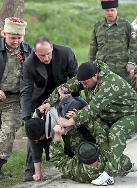 Policia secreta russa reprime dissidentes tártaros.