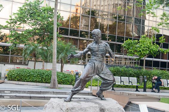 Estatua de Bruce Lee en Hong kong, la antigua colonia britanica