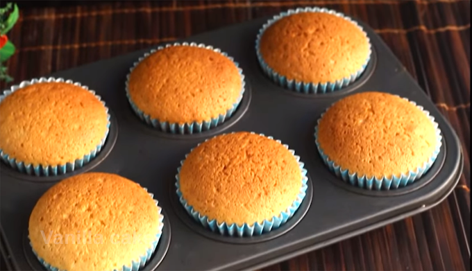 Fluffy vanilla cupcake recipe | Homemade vanilla cupcake recipe |  Easy cupcake recipe for kids