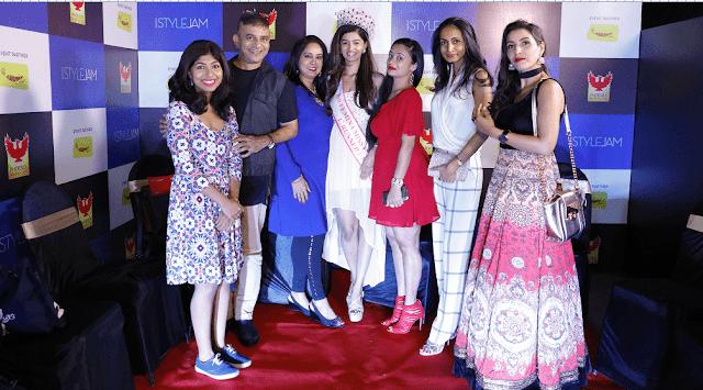 (left to right) Piyali Dasgupta,Prasad Bidappa,Rekha Hande,Shushruthi Krishna,Tanya Dhar,Shalini Chopra