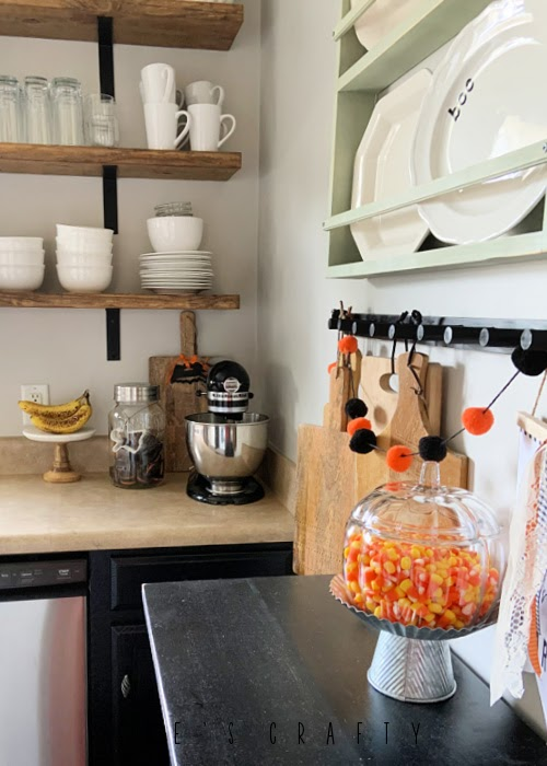 Halloween Kitchen - decorate with cookie cutters