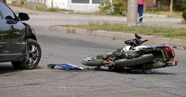 हिमाचल: कार ड्राइवर ने बाइक को मारी टक्कर, युवती की टूटी सांसें; युवक पहुंचा अस्पताल