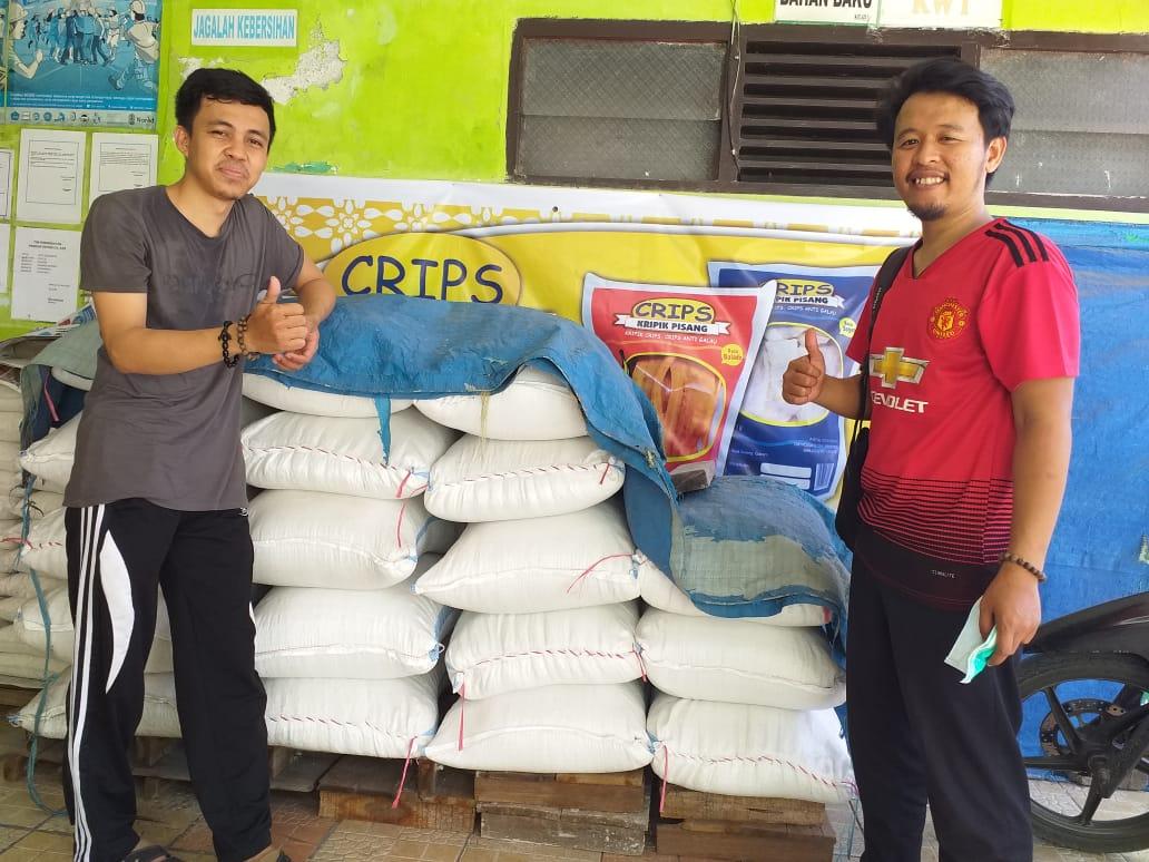 Owner Kedai Madu Sulawesi Berkunjung Ke UMKM Kripik Pisang Crips