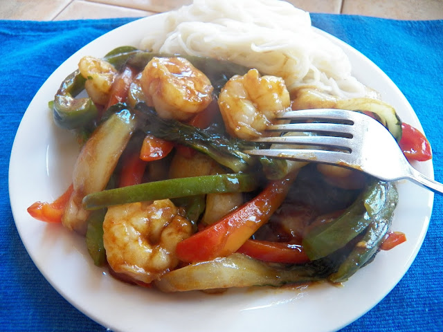 Shrimp Stir Fry with Green Curry Sauce