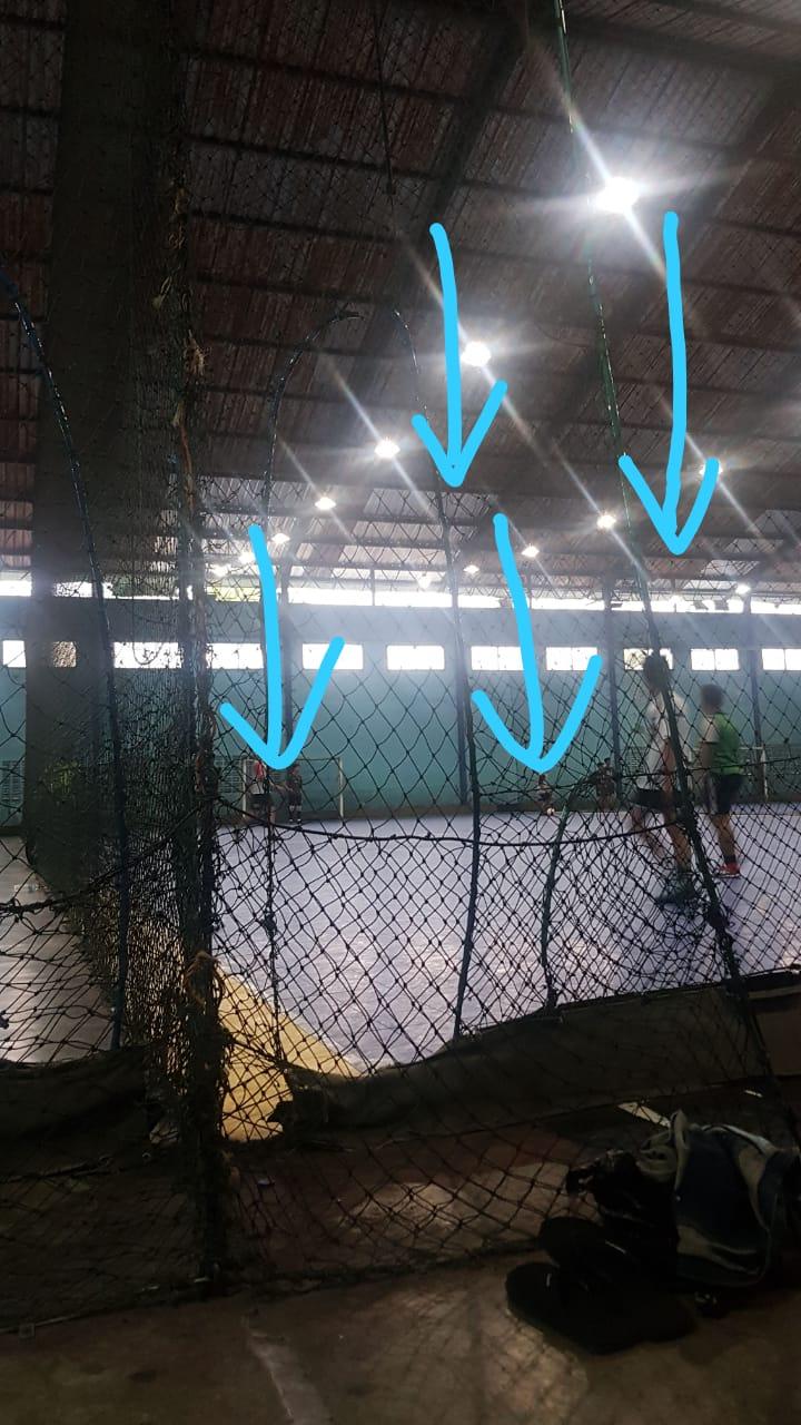 atap bocor di tempat futsal YPKP Bandung