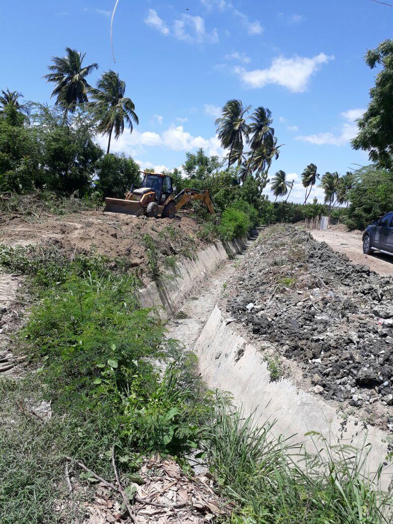 Distrito de Riego Yaque del Indrhi pone en operaciones canal Vicente Noble Canoa y Uvilla de forma provisional.