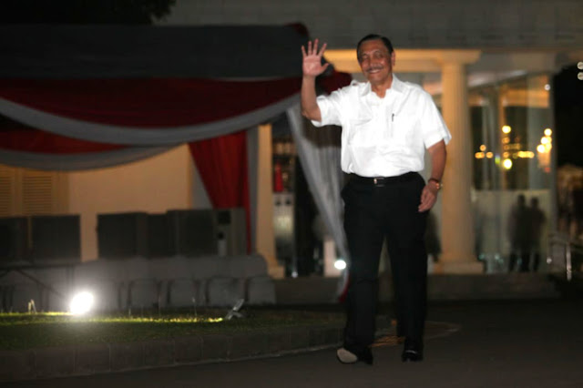 Luhut Sebut Prabowo Tepat Jabat Menteri Pertahanan